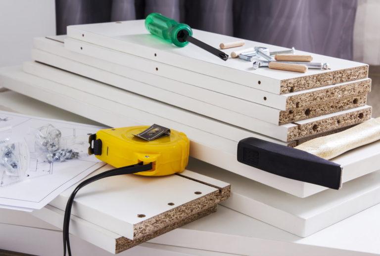 Möbel ganz einfach zusammenbauen
